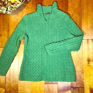 Green Liz Claiborne cable knit sweater